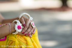 indian bridal jewelry,indian bridal sari,panjas,hath phool,indian wedding rings,hath panja,indian wedding jewelry