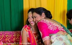 indian wedding mehndi,mehndi fashion,indian wedding portrait,bridal mehndi party portrait