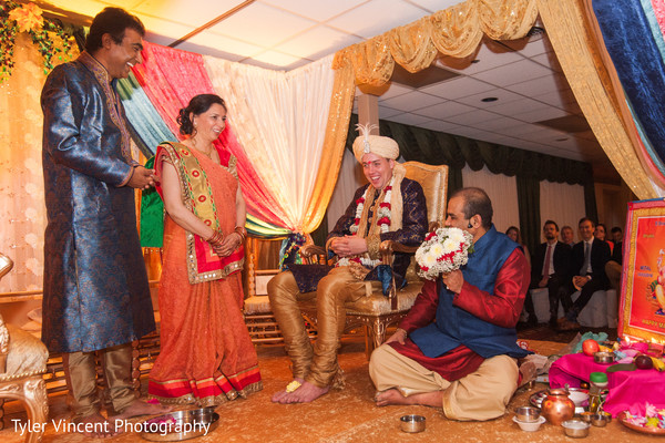 indian wedding ceremony photography,indian groom,indian groom fashion