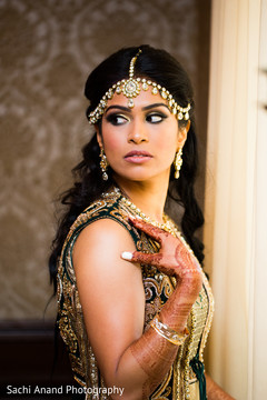 Perfect indian bridal makeup and hair.