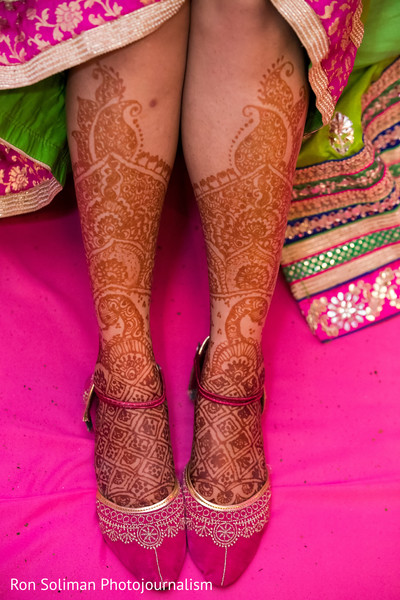 indian bridal mehndi,mehndi art,indian wedding mehndi party,indian bride