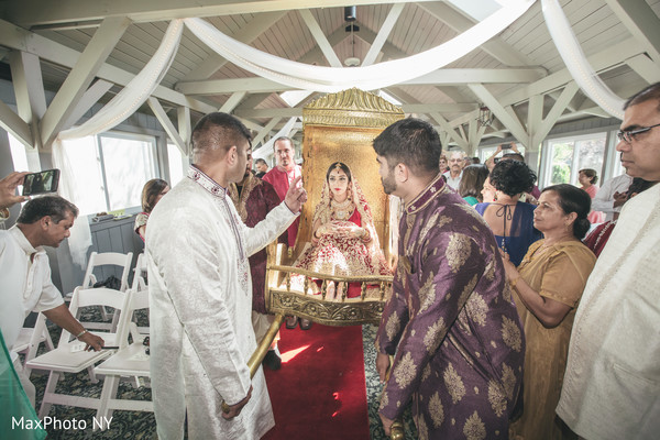 indian bride,indian palanquin,ceremony photography