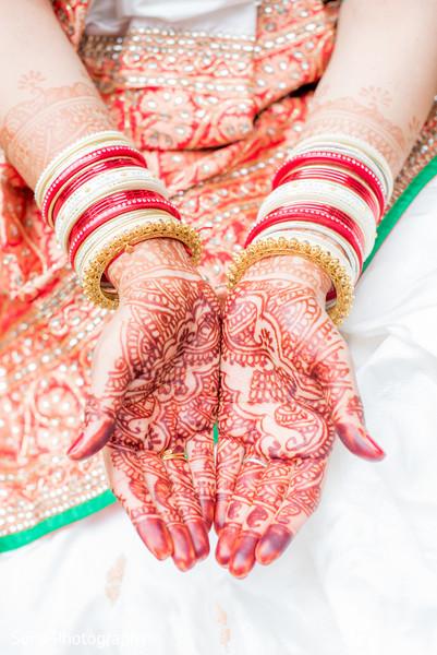 Charming indian bridal mehndi.