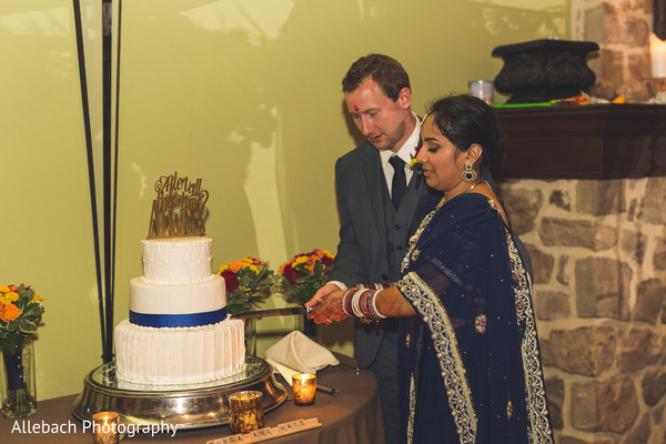 indian wedding cakes,white cake topper