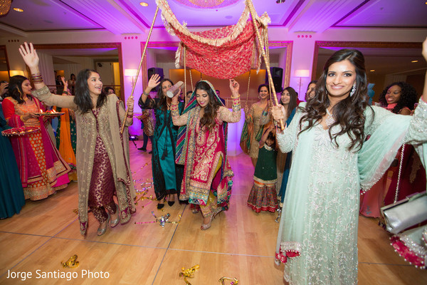indian bride entrance,indian bride,indian bride at sangeet night