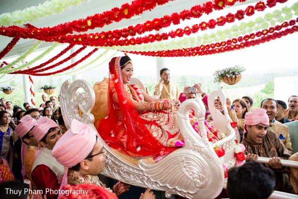 wedding entrance,maharani fashion
