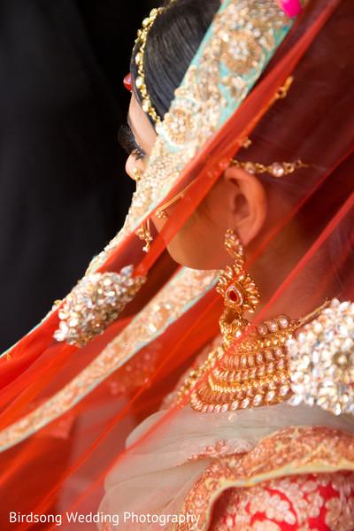 veil,bridal veil