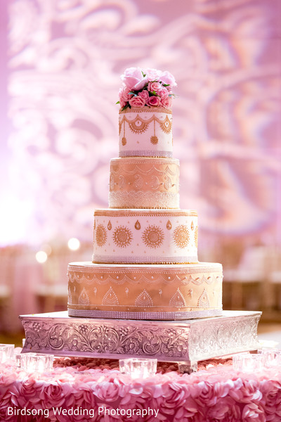 indian wedding cakes,golden wedding cake