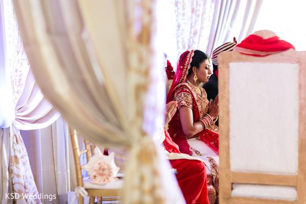 indian wedding mandap,outdoor indian wedding decor