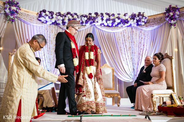 indian weddings,white wedding stage