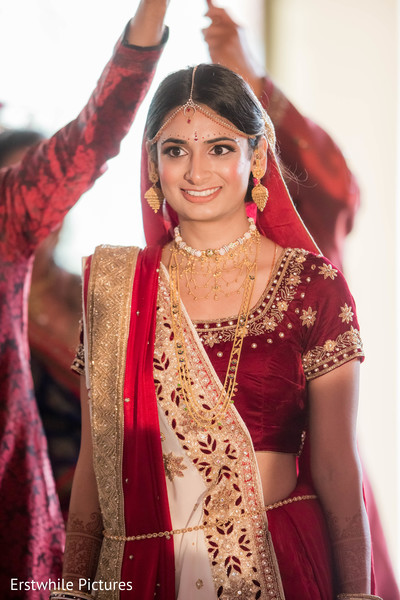 indian wedding photography,indian bride ceremony fashion