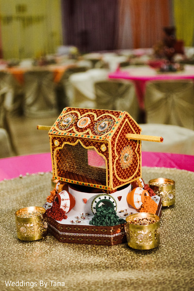 Mini Palanquin table centerpiece.