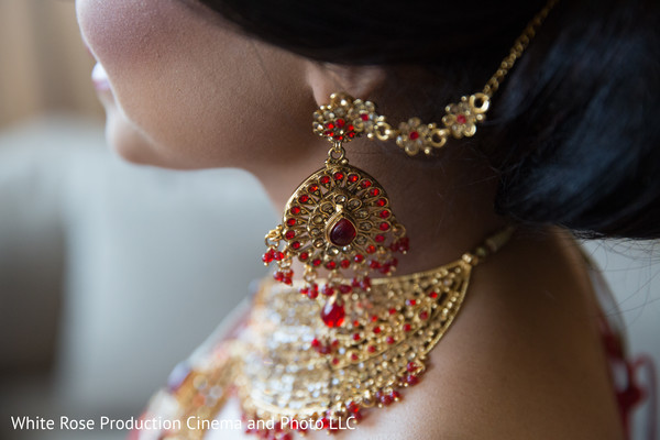 earrings,gold earrings
