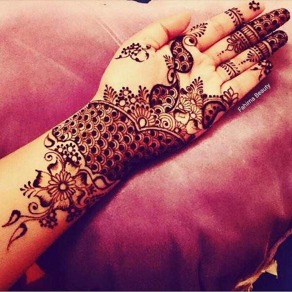 Bridal Mehendi on Hand