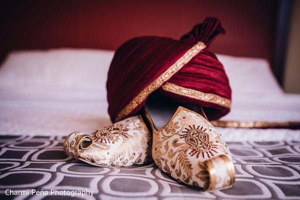 indian groom turban,indian wedding shoes