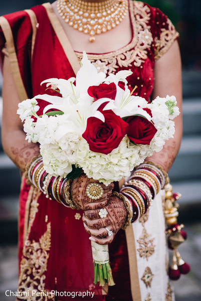 indian bridal bouquet,indian wedding floral and decor
