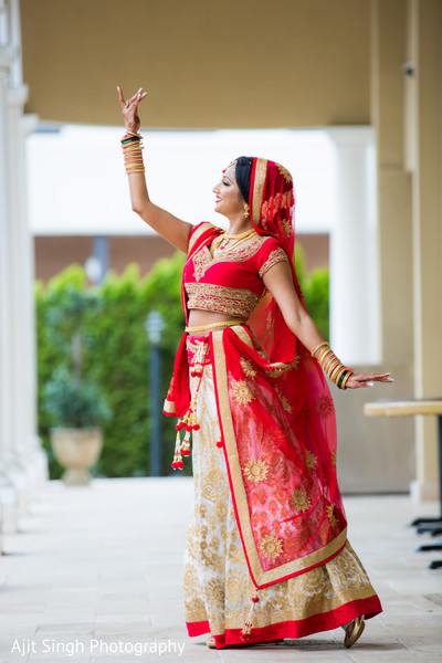 indian wedding gallery,indian bride,indian bridal fashions