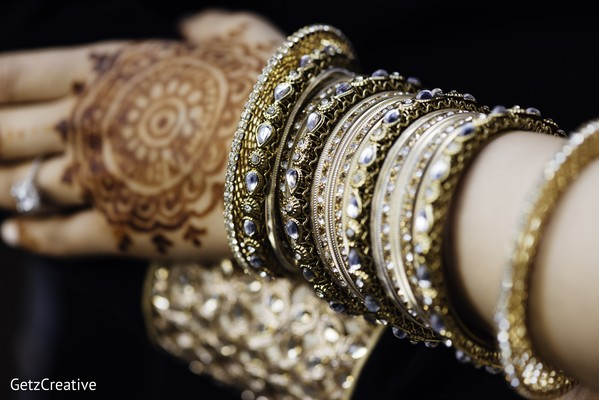 indian bridal jewelry,bride bangles,mehndi art