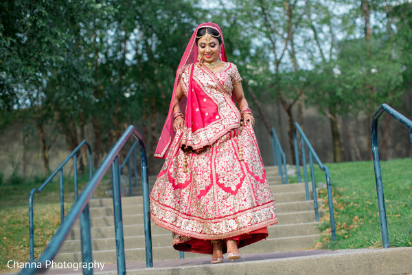 indian bridal lengha,indian bride ceremony fashion