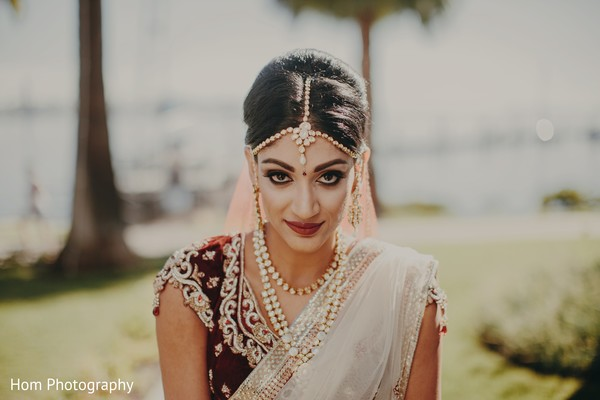 indian bride,indian bride makeup,indian bridal fashions
