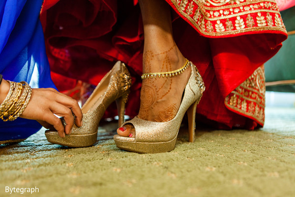 indian wedding shoes,indian bridal fashions,indian bridal lengha