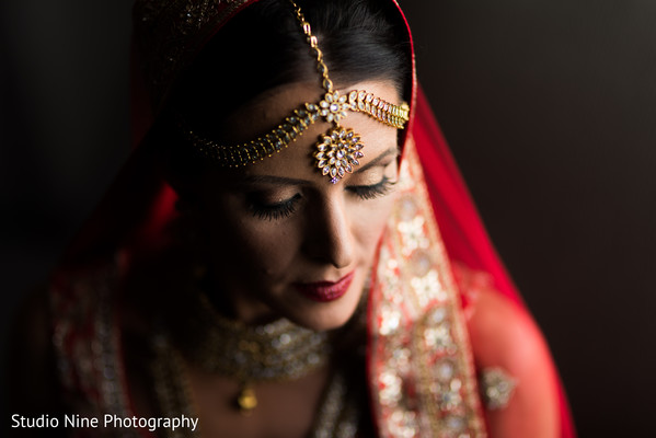 bridal tikka,indian bride makeup,indian bride
