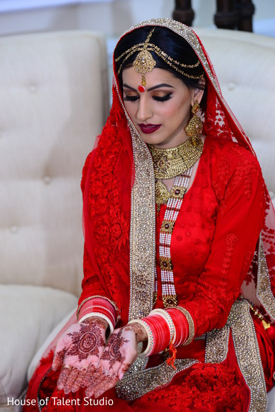 indian wedding makeup,indian bride makeup,indian wedding mehndi