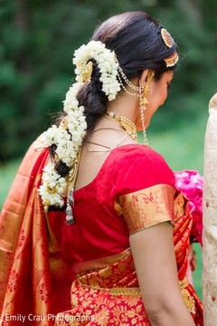 south indian bride hairstyles,indian bridal hair accessories