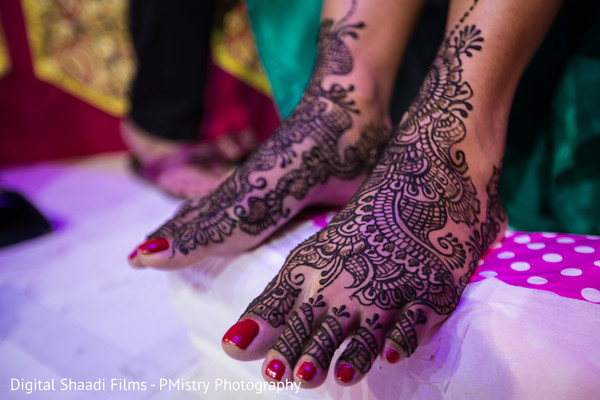 mehndi inspiration,indian bridal mehndi,indian wedding design