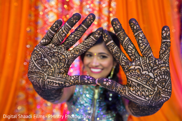 indian wedding mehndi,indian wedding design
