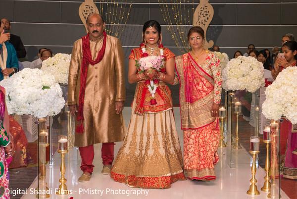 indian bridal sari,flower bouquet