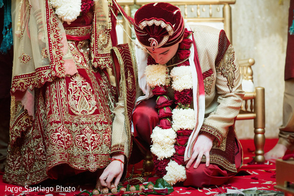 indian groom sherwani,indian groom turban,indian wedding outfits