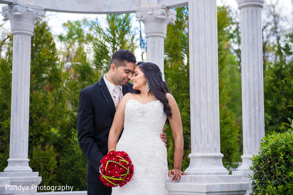 indian bride,indian wedding dress,outdoor photography
