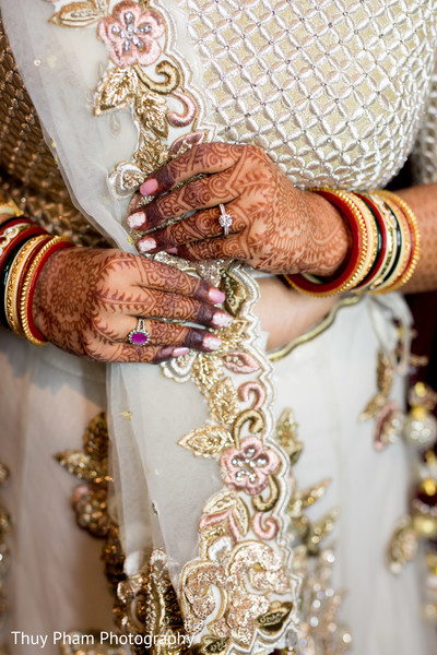 indian bridal mehndi,indian bridal fashions,indian bridal jewelry