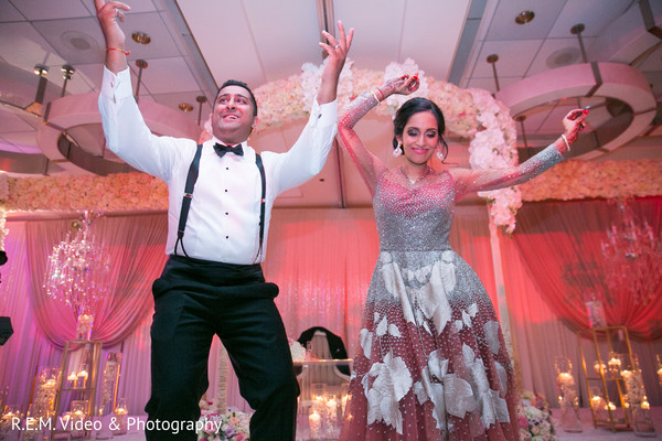 indian bride and groom,indian wedding couple