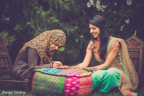 indian bridal mehndi,indian wedding mehndi party,mehndi artist
