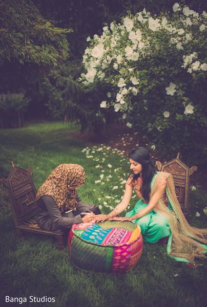mehndi artist,indian bride,indian bridal mehndi