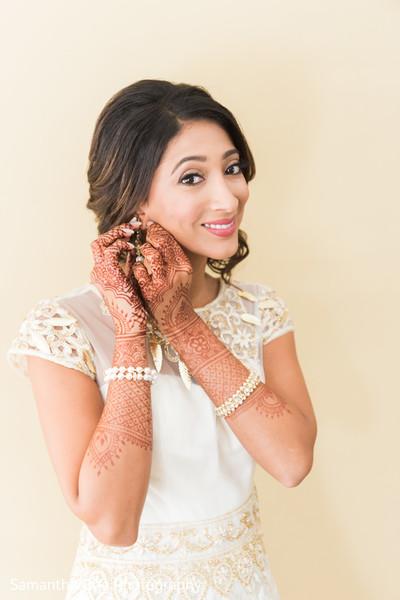Charming maharani getting ready.