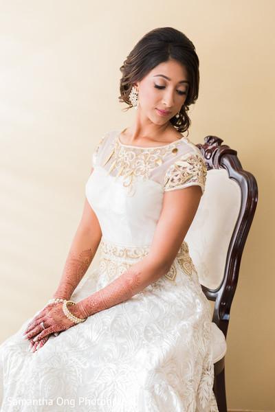 indian bride ceremony fashion,