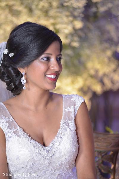 indian bride,indian bride ceremony fashion