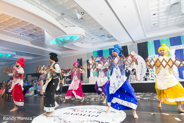 bhangra,indian wedding dance,indian wedding reception
