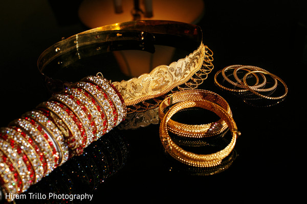 bride jewelry set photography,bride bangles,indian bridal jewelry
