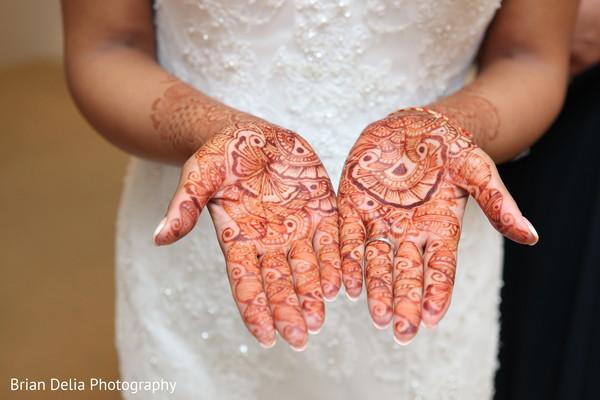 indian wedding henna,indian wedding mehndi,pre-wedding reception photography