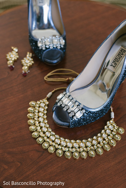bride jewelry set photography,indian wedding shoes,indian bride getting ready