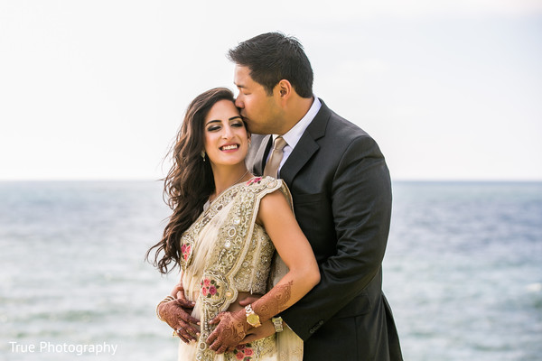 outdoor photography,indian bride and groom