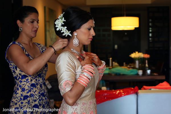 indian bride getting ready,indian bridal fashions