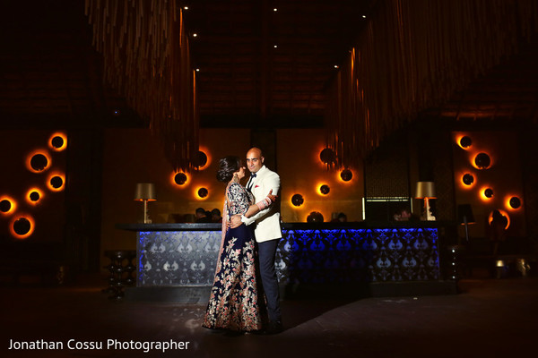 indian wedding couple,newlyweds,indian wedding reception