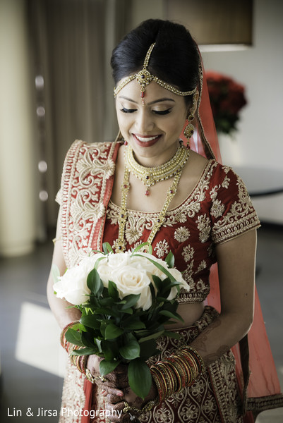 indian bridal fashions,indian bride red lengha,indian bridal bouquet