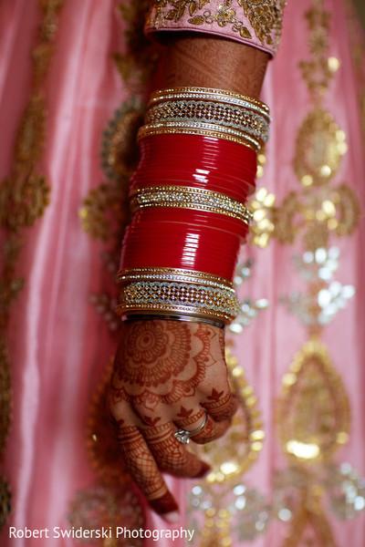 indian wedding bangles,indian bridal mehndi