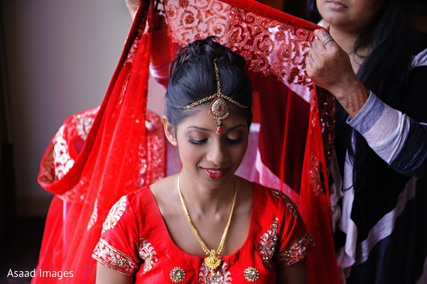 indian wedding gallery,indian bride getting ready,indian bride hair and makeup